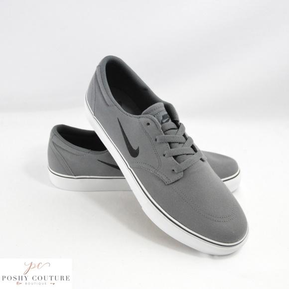f02638cb5731 Nike SB Clutch Grey Skater Style Sneakers